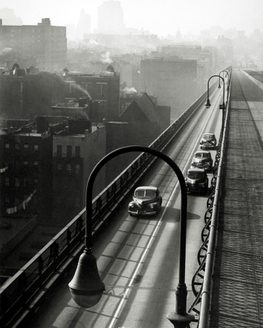 Harold Roth - Williamsburg Bridge, 1947 - Howard Greenberg Gallery