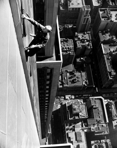 Arthur Leipzig - Window Washer, Empire State Building, 1948 - Howard Greenberg Gallery