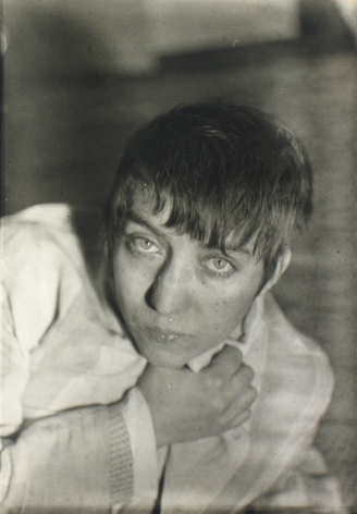 Walker Evans - Berenice Abbott c.1930 - Howard Greenberg Gallery