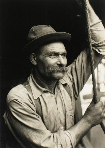 Lewis Hine - Stevedore, New York Waterfront - Howard Greenberg Gallery