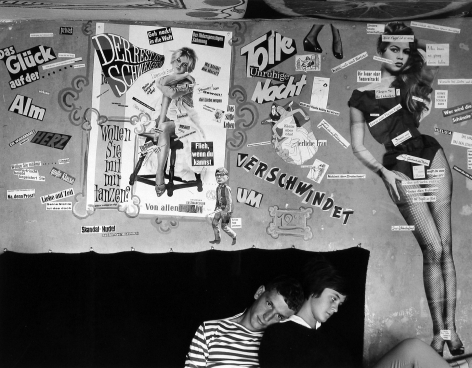 Right of Passage: Youth Culture from Mid-Century 2006 howard greenberg gallery