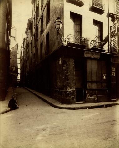 Eugene Atget - Cabaret de L'Epee de Bois - Howard Greenberg Gallery