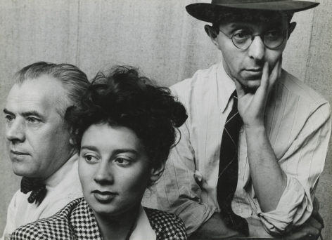 Arnold Newman - Ernest Fiene, Raphael Soyer, and Tana Bloom, 1942 - Howard Greenberg Gallery - 2018