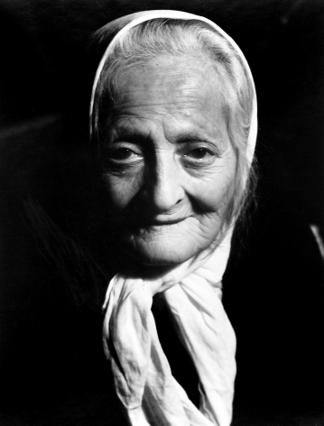 Arnold Eagle - Old Lady, c.1934 - Howard Greenberg Gallery