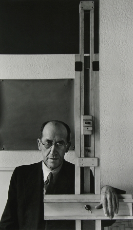 Arnold Newman - Piet Mondrian, New York, 1942 - Howard Greenberg Gallery