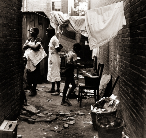 Peter Sekaer  Residents of slums in Washington, D.C., 1938 Gelatin silver print; printed c.1938 7 1/2 x 7 3/4 inches, howard greenberg gallery, 2020