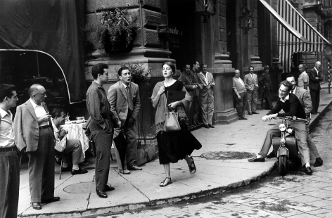 Ruth Orkin - American Girl in Italy, 1951 - Howard Greenberg Gallery