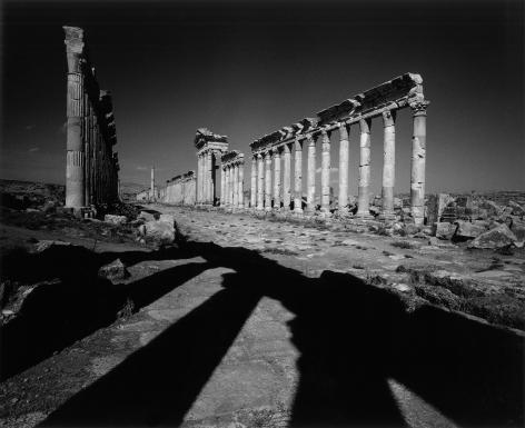 Don McCullin, The avenue, Apamea, Syria, c.2006-09, Howard Greenberg Gallery, 2019