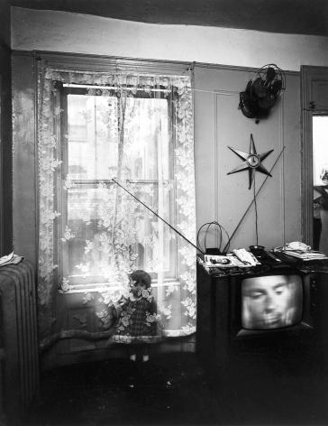 Bruce Davidson, East 100th Street, Howard Greenberg Gallery, 2019