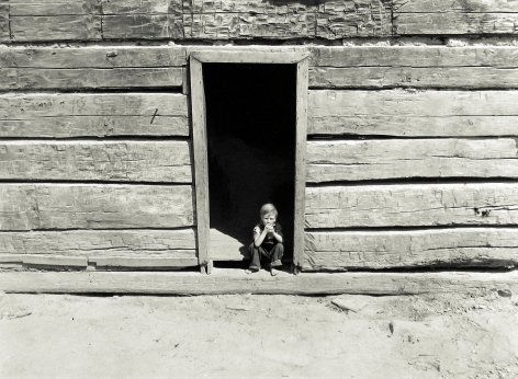 Marion Post-Wolcott - Old Mountain Cabin Made of Hand Hewn Logs, near Jackson, Breathitt County, Kentucky, September 1940 - Howard Greenberg Gallery