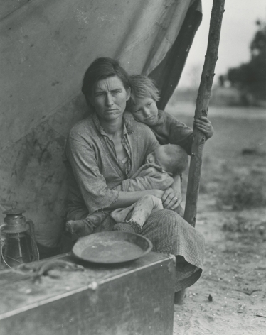 Dorothea Lange  Migrant Mother, Nipomo, California, 1936 Gelatin silver print; printed later Image size: 9 1/2 x 7 1/2 inches, howard greenberg gallery, 2020