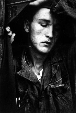 Dave Heath, Howard Crawford, Jr., Korea, 1953, Bard x HGG, Howard Greenberg Gallery, 2019