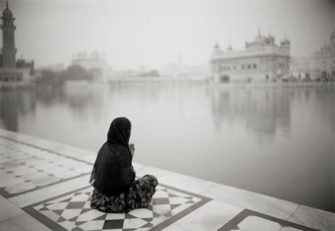 Kenro Izu - Amritsar #376, India, 2009 - Howard Greenberg Gallery