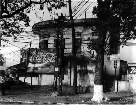 Bill Burke - Phnom Penh, 1995 - Howard Greenberg Gallery