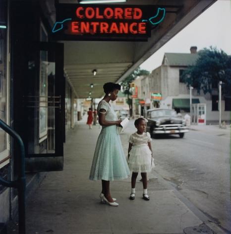 Gordon Parks - Segregation Story, 1956 - Howard Greenberg Gallery