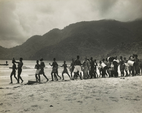 Eliot Elisofon - Untitled (young men on the beach), 1946 - Howard Greenberg Gallery