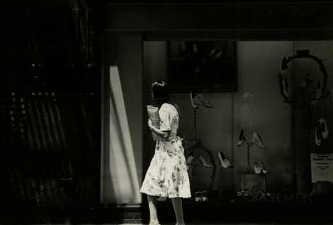 Harry Callahan - Detroit, 1943 - Howard Greenberg Gallery