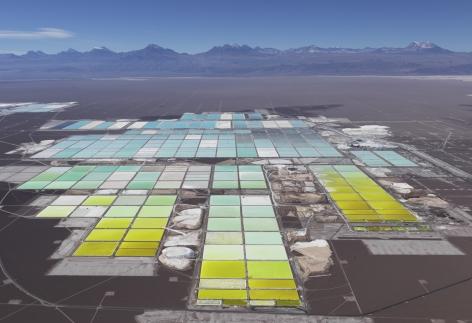 Edward Burtynsky - Lithium Mines #1, Salt Flats, Atacama Desert, Chile 1/9, 2017 - Howard Greenberg Gallery - 2018