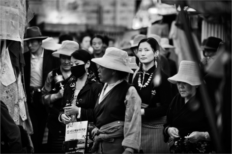 Laurent Zylberman, A Journey in Tibet, Pilgrims around the Jokhang Palace, 2008, Sous Les Etoiles Gallery