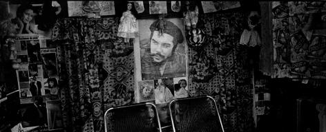 Ernesto Bazan, Cuba, Fidel Castro, Che and fashion girls, Viñales, 2003, Sous Les Etoiles Gallery, New York