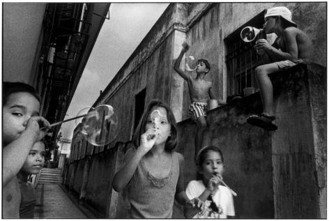 Ernesto Bazan, Cuba, Fidel Castro, Havana, Children, 1998, Sous Les Etoiles Gallery, New York