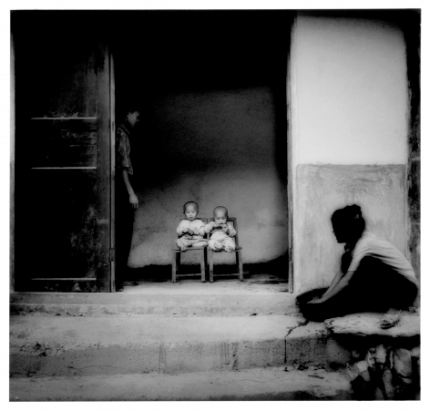 James Whitlow Delano, Empire, Impressions from China, Dong twins, Zhaoxing, Guizhou, China, 1999, Sous Les Etoiles Gallery