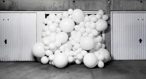 Charles Petillon, white balloon,CO2, architecture, landscape, Sous Les Etoiles Gallery,