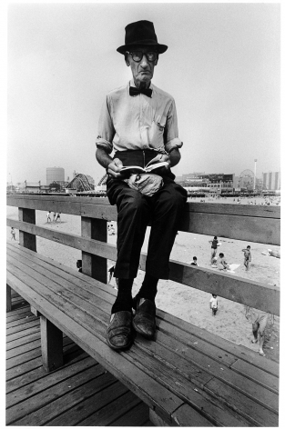 Sous Les Etoiles Gallery, Man Wearing Bow Tie, Harvey Stein, Coney Island