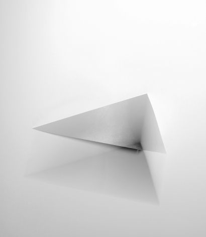 Nina Brauhauser, Triangle, Abstraction, Sous Les Etoiles Gallery, New York