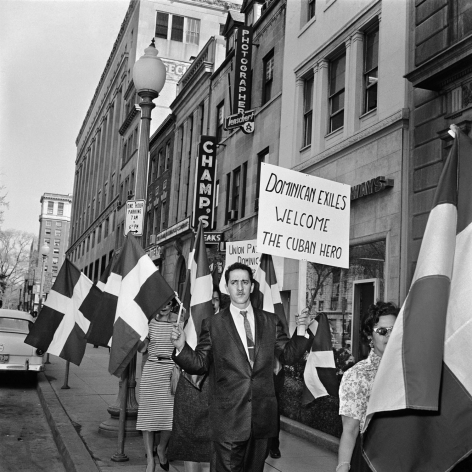 Alberto Korda, Dominican exiles supporting Fidel Castro's visit to the US, Washington, Thursday, April 16, 1959, Sous Les Etoiles Gallery