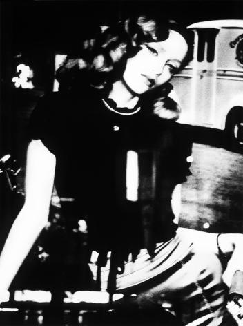 Wendy Paton, Visages de Nuit, Sitting Pretty, 2008, Sous Les Etoiles Gallery