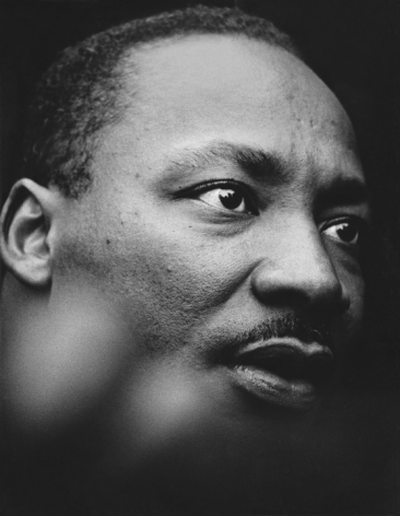 Jean-Pierre Laffont, Martin Luther King, Jr with the UN Building reflecting in his eye, NYC, NY, April 15th, 1967 Turbulent America, Sous Les Etoiles Gallery