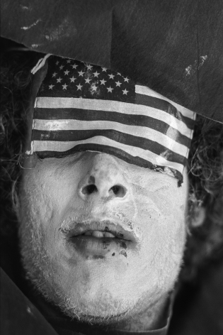 Jean-Pierre Laffont, 30th Rep Convention Miami 72 Man with eyes covered with US flag, Turbulent America, Sous Les Etoiles Gallery