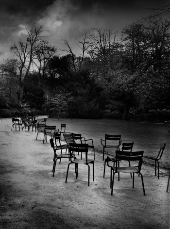 Jean-Michel Berts, The Light of Paris, Chairs, Luxembourg Garden, 2005, Sous Les Etoiles Gallery