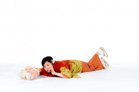 Breezeless, Takemi Saito, A picture book of a girl falling down, Kimono, 2010, Sous Les Etoiles Gallery