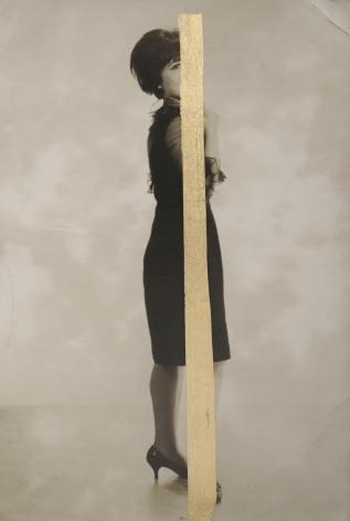 Jeune Fille Posant, 2018