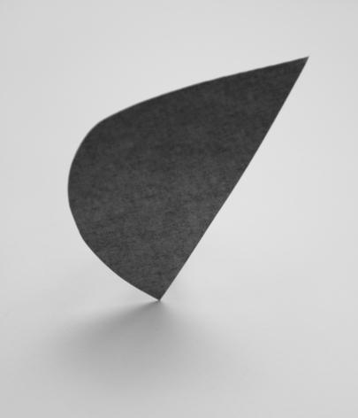 Triangle,  Nina Brauhauser, abstraction, geometric shape, concrete art, Sous Les Etoiles Gallery