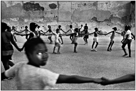 Ernesto Bazan, Cuba, Fidel Castro, Havana, 1998, Children,  Sous Les Etoiles Gallery, New York