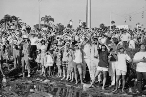 Jean-Pierre Laffont, Apollo XI launch, Cape Kennedy, FL, July 16th, 1969, Sous Les Etoiles Gallery