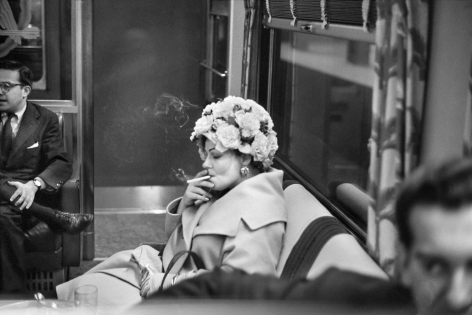 Alberto Korda, Woman smoking in Washington, Saturday, April 18, 1959, Sous Les Etoiles Gallery