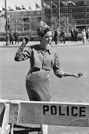 Alberto Korda, Model posing on the streets of New York, Wednesday, April 22, 1959 , Sous Les Etoiles Gallery