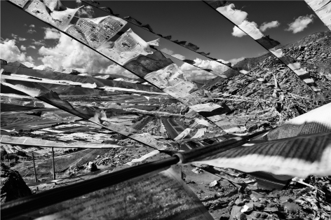 Laurent Zylberman, A Journey in Tibet, Tibetan prayer flags on the road Kapa-Lhasa, 2008, Sous Les Etoiles Gallery