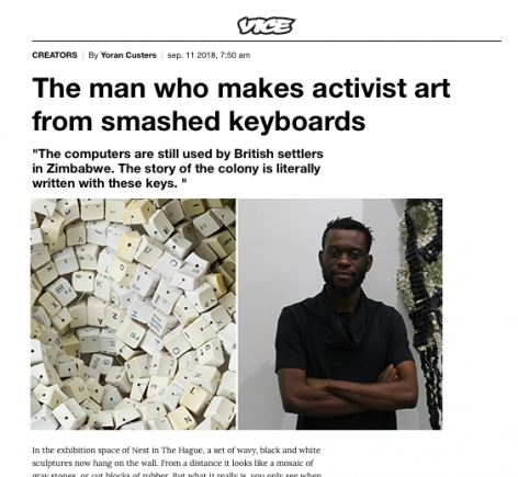"""Moffat Takadiwa featured in """"De man die activistische kunst maakt van kapotgeslagen toetsenborden"""""""