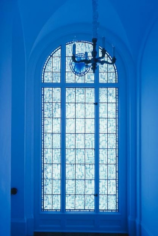 "ALT=""Tony Feher, Untitled (Tape Installation), 2006, Site-specific installation at AMFA, Blue painters' tape on window"""