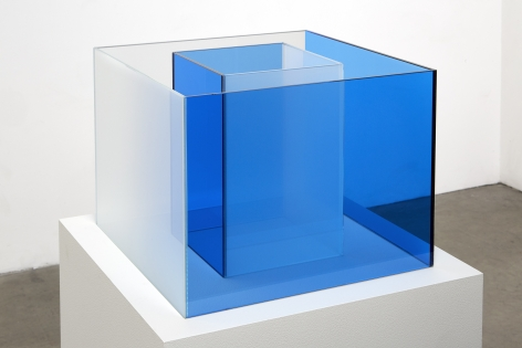 "ALT=""Larry Bell, Untitled Maquette (Cornflower Blue / True Sea Salt), 2018, Laminated glass"""