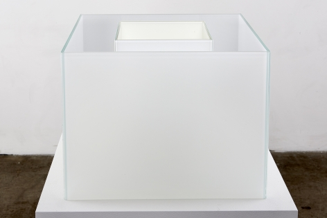 Larry Bell, Untitled Maquette (True Fog / Optimum White), 2018