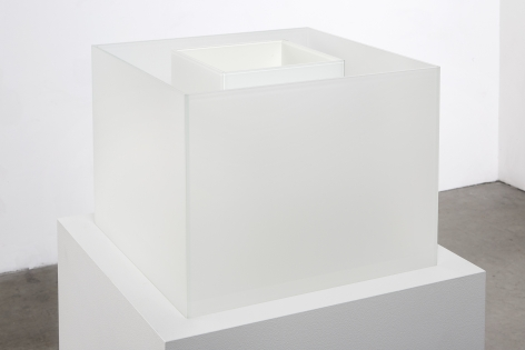 "ALT=""Larry Bell, Untitled Maquette (True Fog / Optimum White), 2018, Laminated glass cube"""