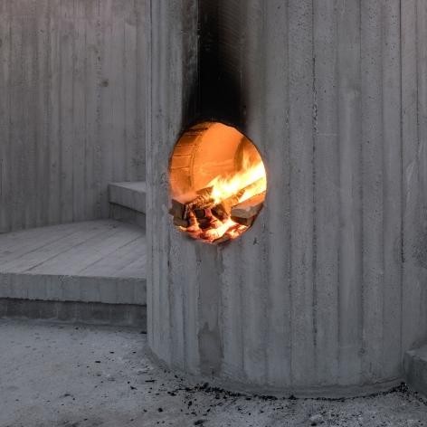 Oscar Tuazon, Burn the Formwork (Fire Building), 2017