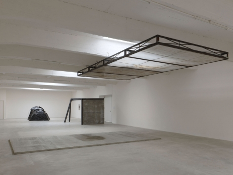 Oscar Tuazon, Installation view