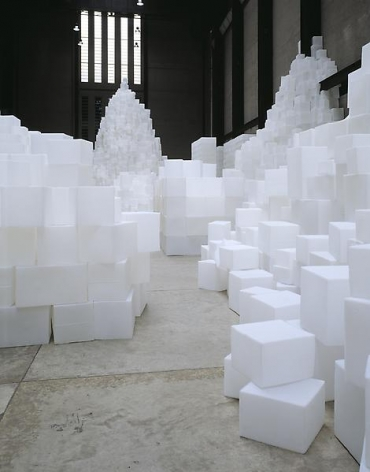 Rachel Whiteread Embankment, 2005